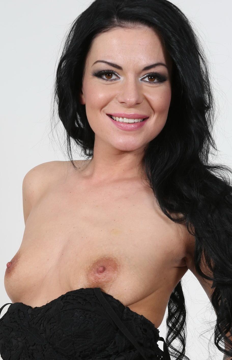 несса девил порно актриса